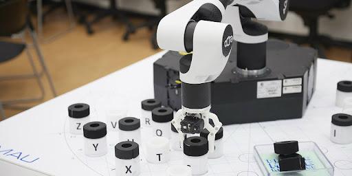 Robo Lab: laboratori di robotica educativa a supporto dell'apprendimento delle materie STEAM